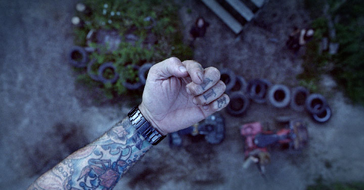 bts_06_pat_hand